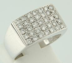 14k white gold men's ring with 35 brilliant cut diamonds, approx. 0.70 ct - Ring size 17.25 (54)