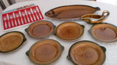 Ceramic Sarreguemines France, fish service and fish cutlery, very good condition