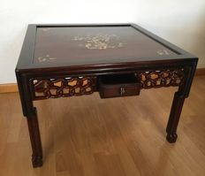 A Chinese Hongmu table with mother of pearl inlay - China - 20th century