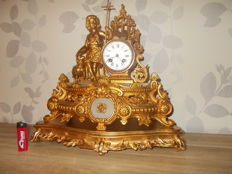 Antique French - Regileuse - gold-coloured - double statue mantel clock on console - around 1900