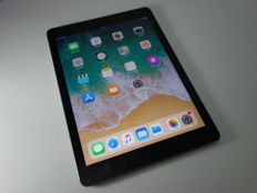 Apple IPad Air 1  (A1475) - 16GB Wi-Fi + Cellular, unlocked, with original box, usb charge cable and Dock