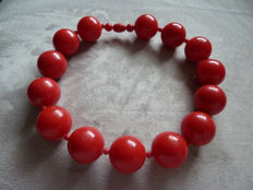 Lot 14 - Beautiful Choker in old light red moulded plastic