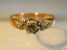 Antique 18 kt rose gold ring with 7 rose-cut diamonds totalling 0.30 ct - NO RESERVE
