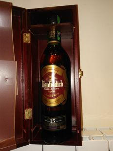 Glenfiddich 15 years old Solere Reserve in rare wooden box