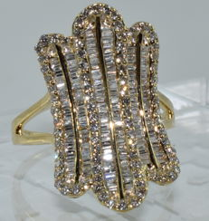 18 kt yellow gold ring set with 223 diamonds for a total of around 3.70 ct ***NO RESERVE PRICE***