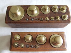 2 Dutch blocks with brass weights - 1870-1900