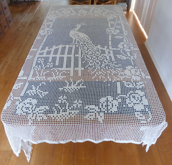 Large filet bedspread or tablecloth with peacock - entirely handmade