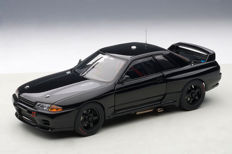 AUTOart - Scale 1/18 - Nissan Skyline GT-R R32 Plain Body - Black