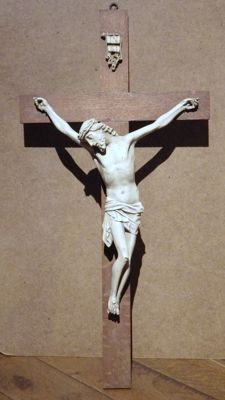 Plaster Christ on an oak cross - Late 19th century