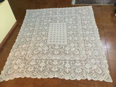 Rectangular ecru filet bedspread / tablecloth, handmade - Italy - Early 1900s