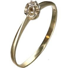 14 kt Yellow gold ring set with a brilliant cut diamond of approx. 0.02 ct - ring size: 16.75 mm
