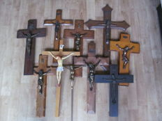 Lot of 10 old wooden crosses with corpus - Belgium - early 20th century