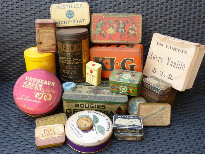 Lot of 24 advertising tins and 8 decorative boxes