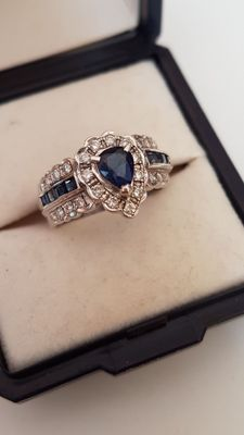 18 kt Gold Blue Sapphire with Brilliant  Ladies Ring,amazing!