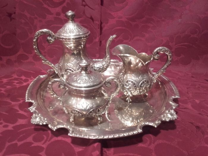 Coffee service in punched silver - Spain - 20th century