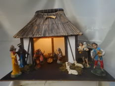 Large Nativity scene with 13 Italian Christmas images