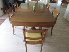 Beech wood table with 6 chairs, the Netherlands, 20th century.