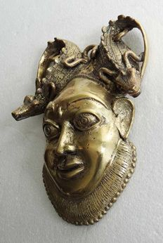 Head of a chief - BAMUM - Western Cameroon.