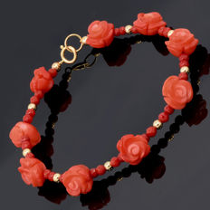 18kt/750 yellow gold bracelet with coral – Length 20.5 cm.