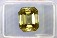 Fancy Greenish Yellow -  3.71 ct - SI2 - * NO RESERVE PRICE *