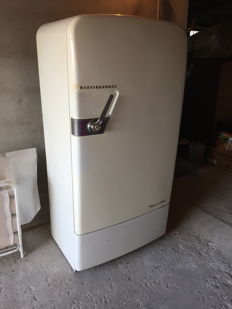 Westinghouse 1950s fridge - Industrial vintage