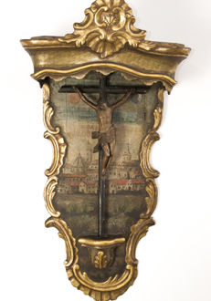 Baroque altarpiece of Christ crucified. Wood. 17th - 18th century. Spain.