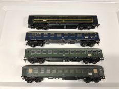 Fleischmann H0 - 4 passenger carriages DB, all with preparation for interior lighting