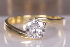 Diamond / brilliant solitaire ring with 0.59ct main stone - No reserve!