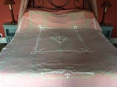 Very fine machine lace bedcover with manual appliques, France, early 20th century