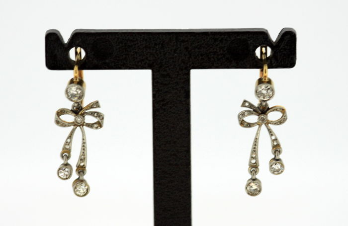 Antique Victorian 15K Yellow Gold Ladies Earrings With Diamonds (0.62 CT Total) Circa.1880