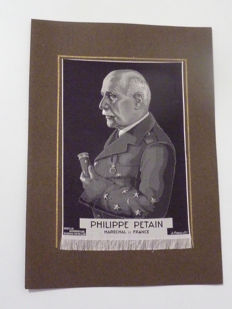Rare - Original portrait, in finely woven silk of the Marshal PÉTAIN + flag France VICHY Regime + rare magazine - Pétain general from Verdun 1917