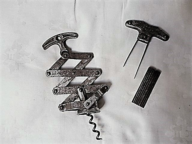 Lot of 2 corkscrews 1. Zigzag 2. antique item especially to entirely remove old, vulnerable corks