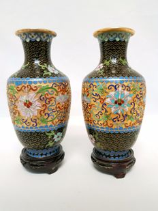 Two champlevé vases - China - 2nd half of the 20th century