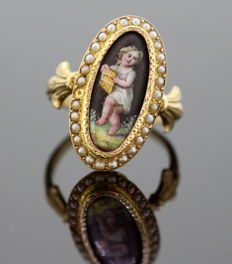 Antique Victorian 15K Yellow Gold Ladies Ring With Enamelled Cherub on Mother of Pearl and Freshwater Seed Pearls, Circa.1860's
