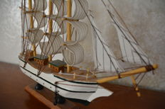 Beautiful model windjammer