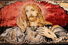 Beautiful wall tapestry from the 20th century - knotted / rug - portraying Sacred Heart of Jesus (1m x 48cm)