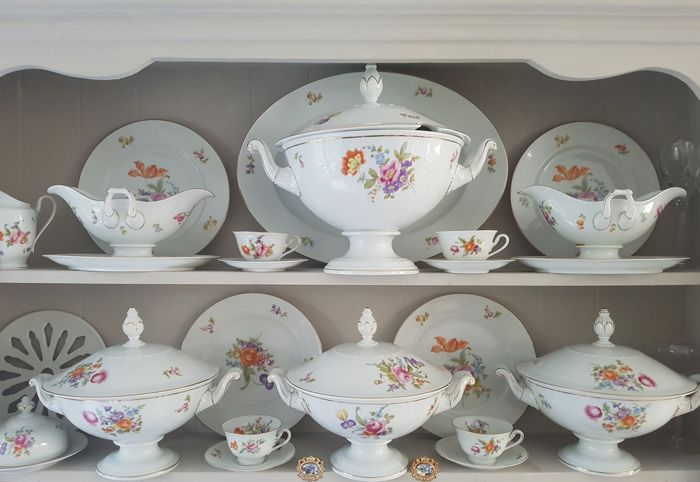 Hedendaags Rosenthal - dinnerware Empire porcelain with flower decorations XM-59