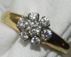 Cocktail Ring 18 KT – 750 gold with 7 brilliants approx. 0.40 ct - diameter 18 mm