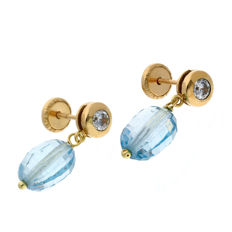 Yellow gold 18 kt/750 - Earring - Blue topaz - Earring height 17.30 mm (approx)
