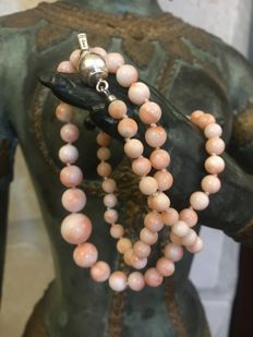 Antique natural pink coral necklace