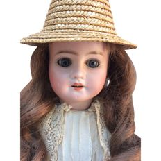 Very beautiful antique French doll - around 1890