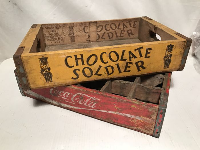 Two original vintage crates from the United States, Coca-Cola / Chocolate Soldier (very rare). - 1960s