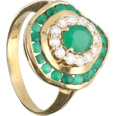 18 kt –Yellow gold ring set with emerald and zirconia – Ring size: 17.5 mm