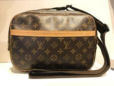 Louis Vuitton - Monogram Canvas Reporter Válltáska