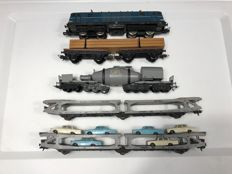 Lima H0 - electric locomotive 150012 and 4 various heavy carriages