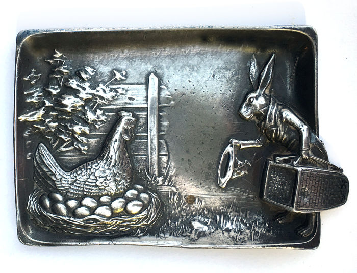 Dish, vide poche, hare stealing eggs, tin, France