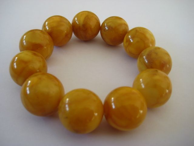 Baltic Amber Butterscotch bracelet round beads, 37 grams, bracelet diameter about 6 cm