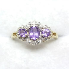 Vintage 9ct/9k Yellow Gold Amethyst and Diamond Cluster Ring