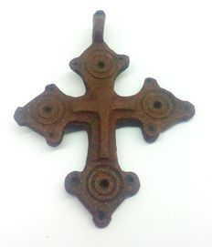 A rare medieval bronze cross - 49x37 mm