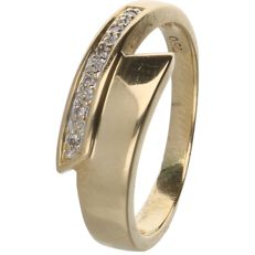 18 kt - Yellow gold wavy ring set with 6 round brilliant cut diamonds of 0.03 ct in total in a white gold setting - Ring size: 16.5 mm